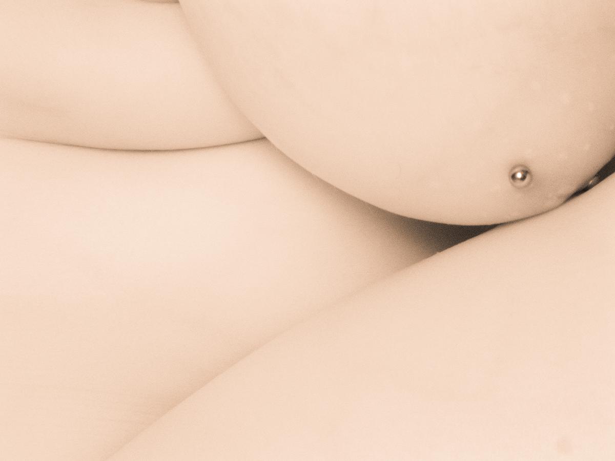 Infrared Studio Nude 01 (AZART 00069)